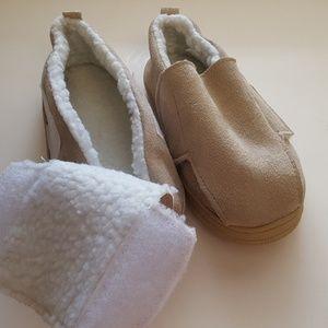 ? Shoes - Velcro slipper NEW